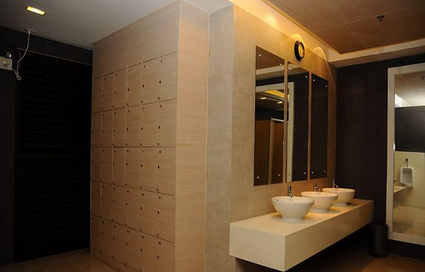 Ideo-Ratchada-Huaykwang-Bangkok-condo-for-sale-bathroom-common-area