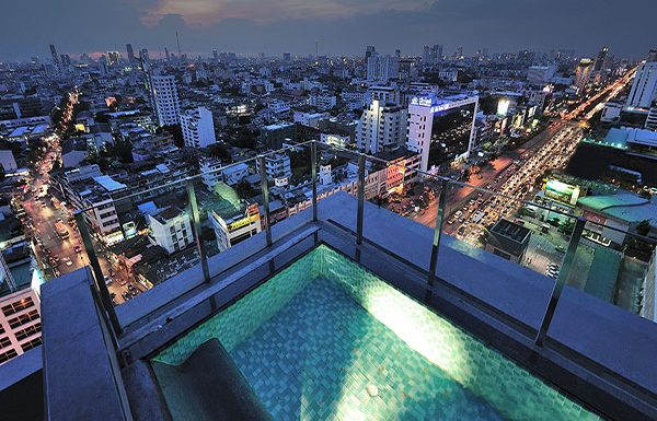 Ideo-Ratchada-Huaykwang-Bangkok-condo-for-sky-swimming-pool-2